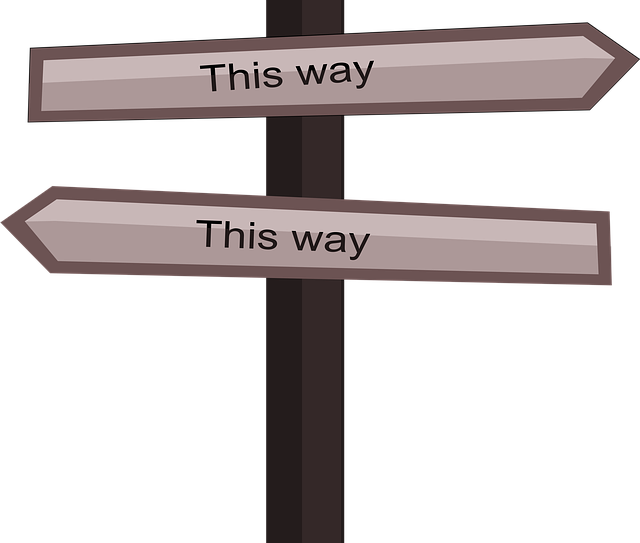 this-way-718660_640.png