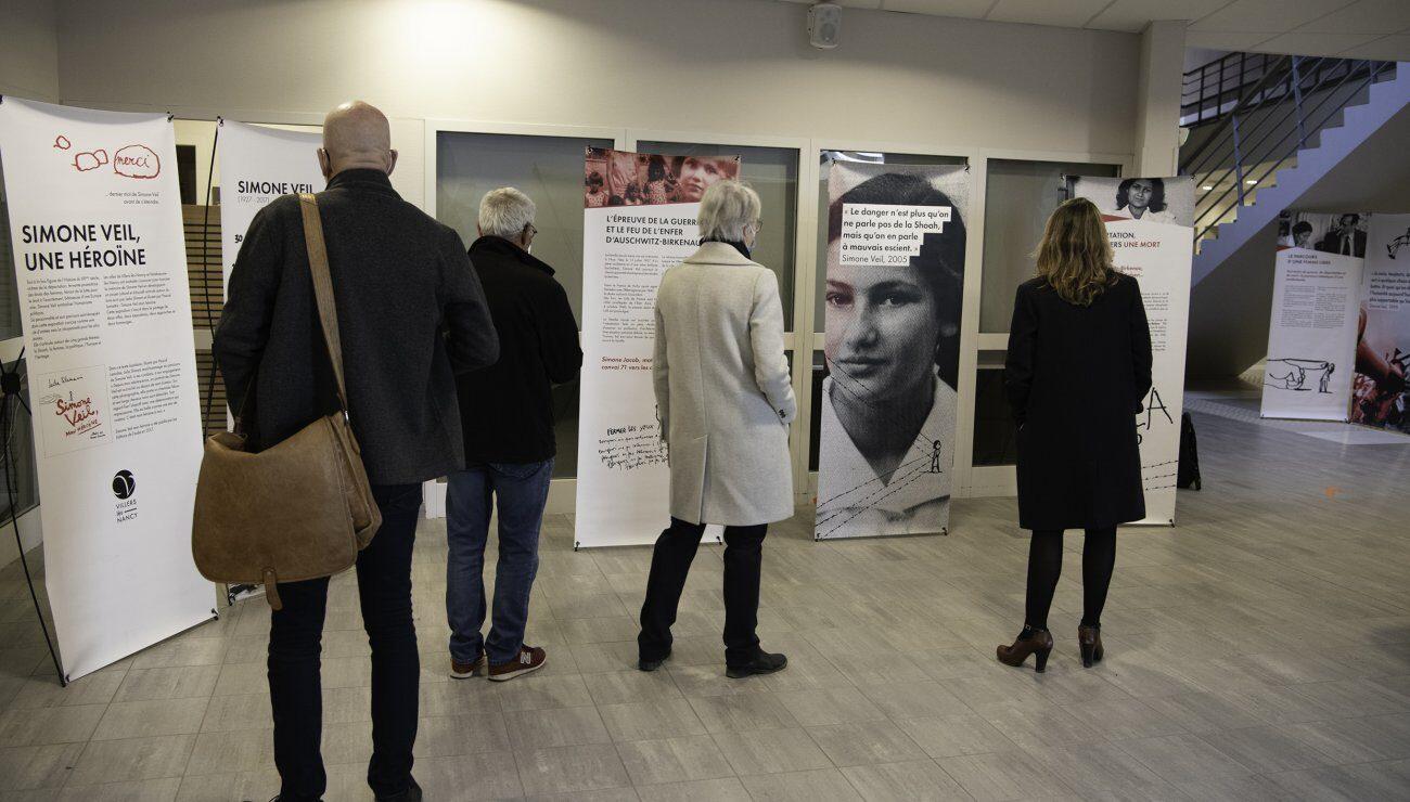 Inaug expo Simone Veil collège Poisy 080321-17.jpg